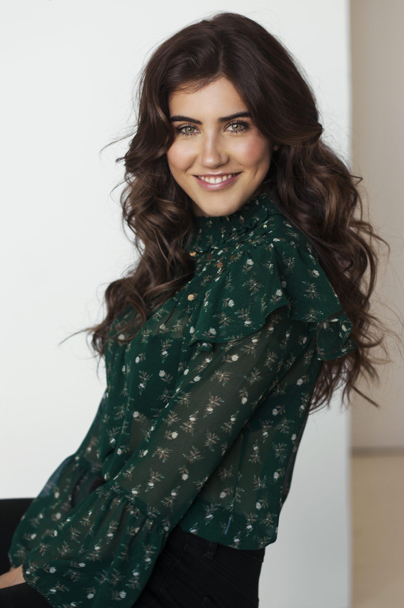 Emi Hébert (1)